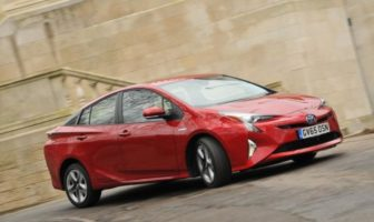 Toyota sued due to alleged hybrid vehicle brake defect