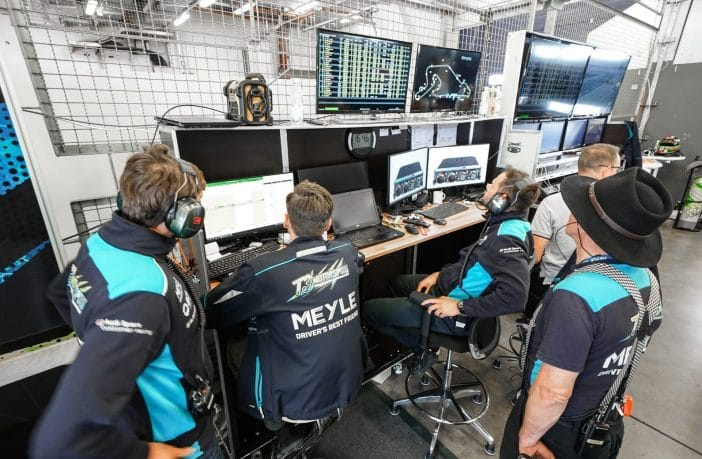 MEYLE engineers at the track