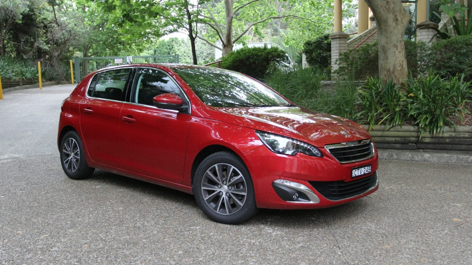 Power Assist Fault Leads to Peugeot, Citroën Recall